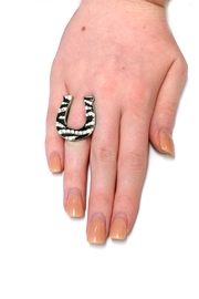 JChronicles Horse Shoe Stretch Ring - Back cropped