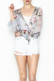 jella c Floral Print Top - Front cropped