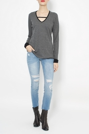JET John Eshaya Contrast Thermal Top - Front cropped