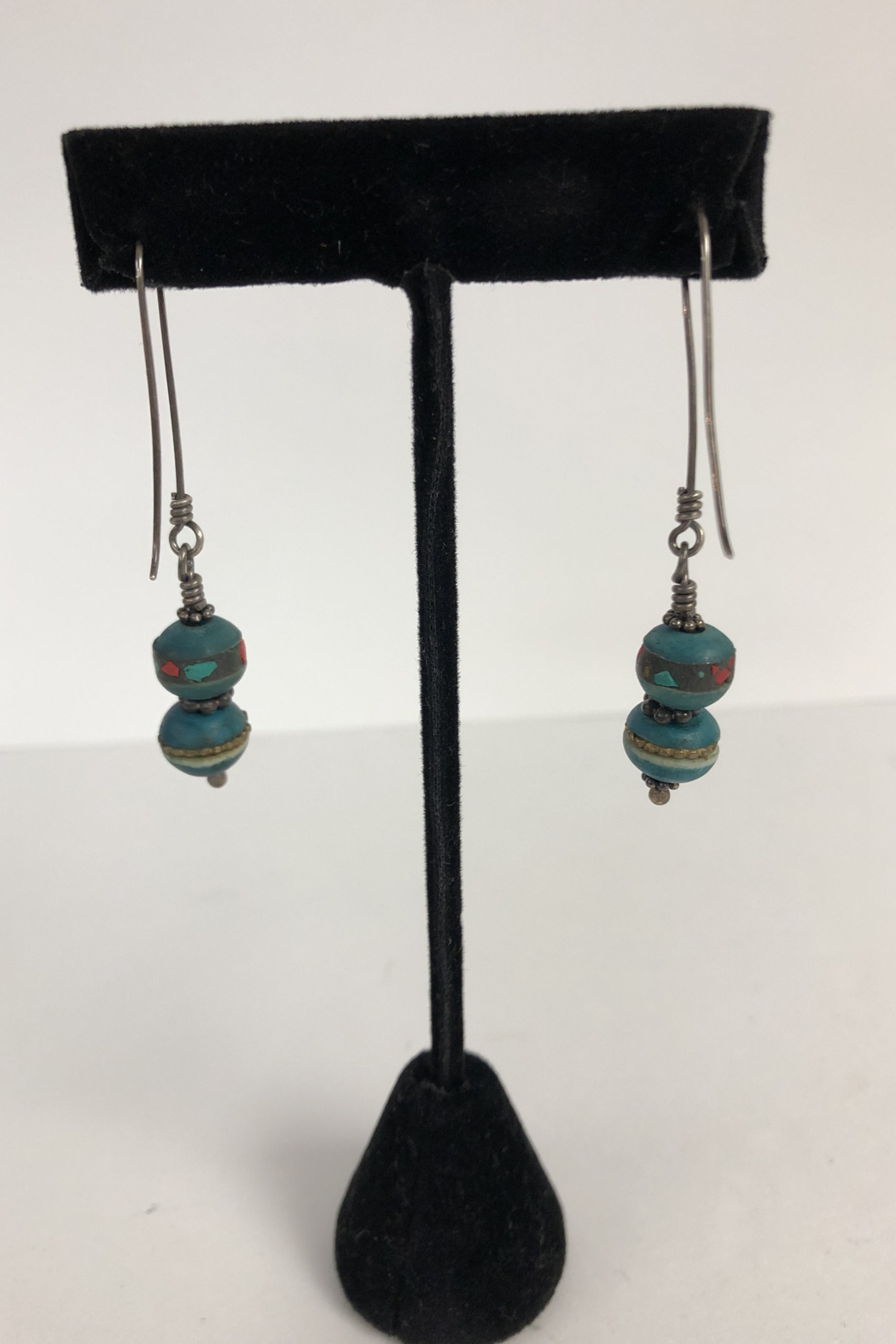 Toto Collection Jiade Bead Earrings - Back Cropped Image