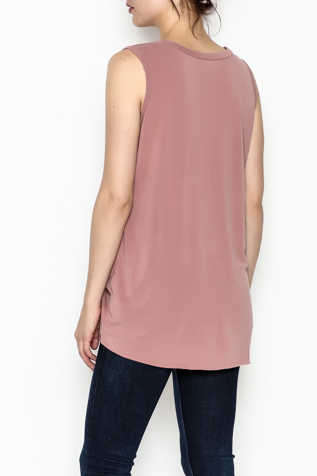 Jodifl Knotted Relaxed Tee - Back Cropped Image