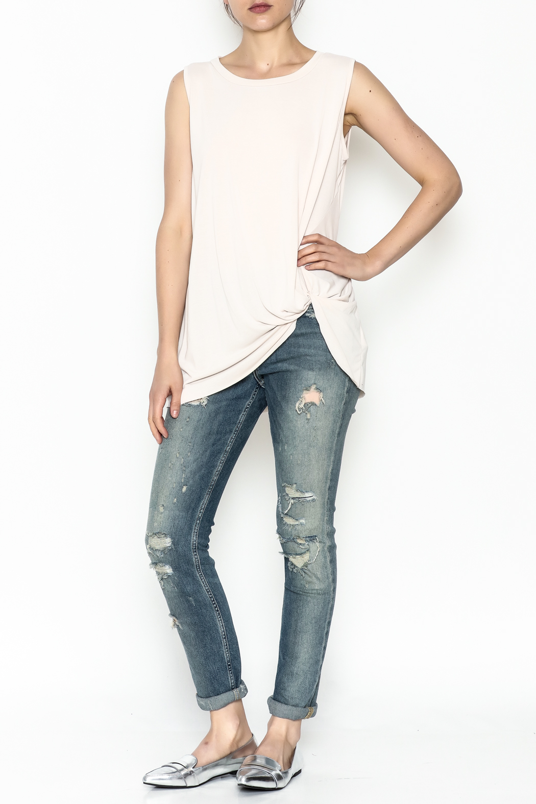Jodifl Knotted Relaxed Tee - Side Cropped Image