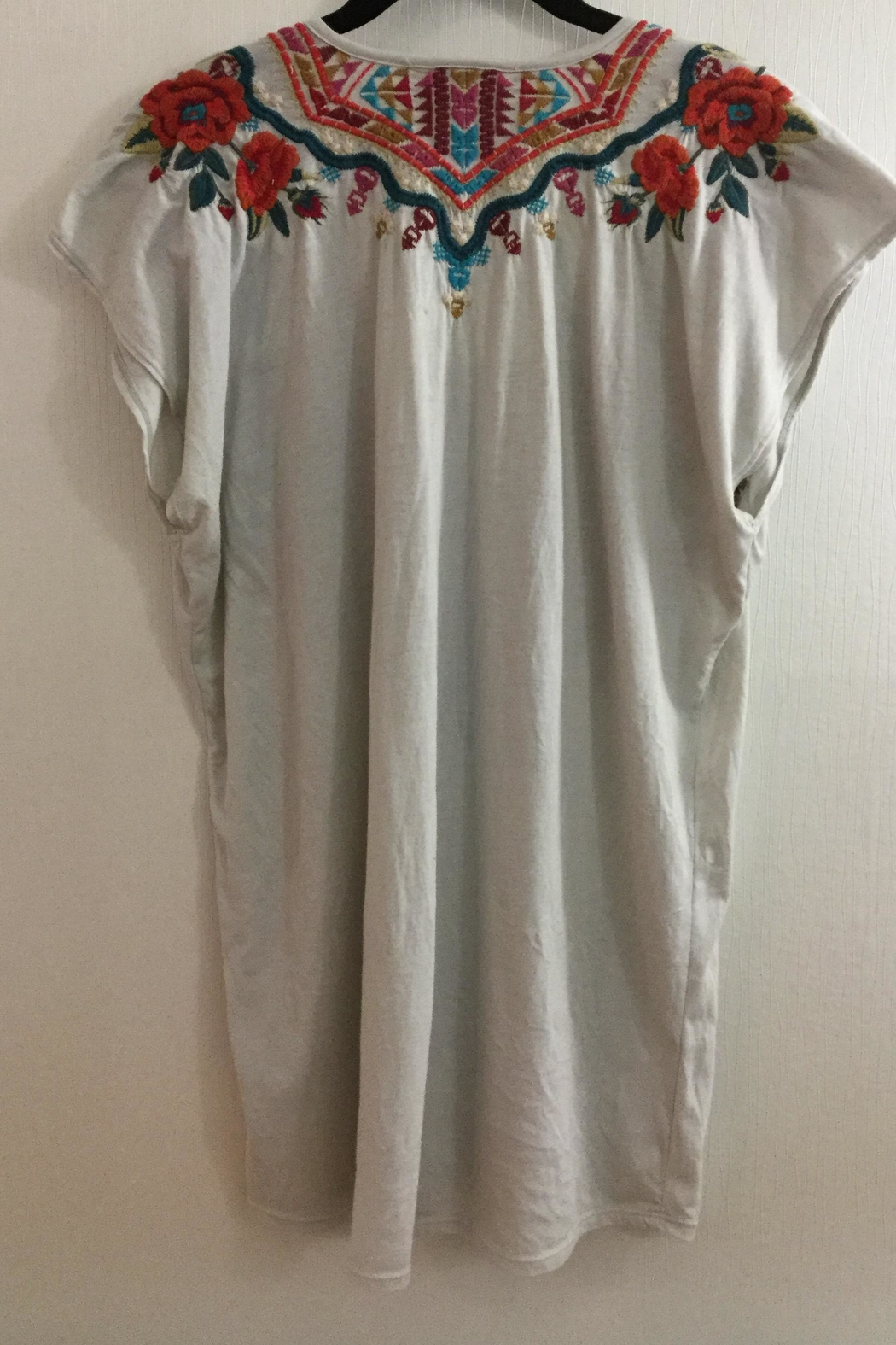 Johnny Was Embroidered Sleeveless Tee - Side Cropped Image