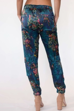 Johnny Was Marcelle Silk Pant - Alternate List Image