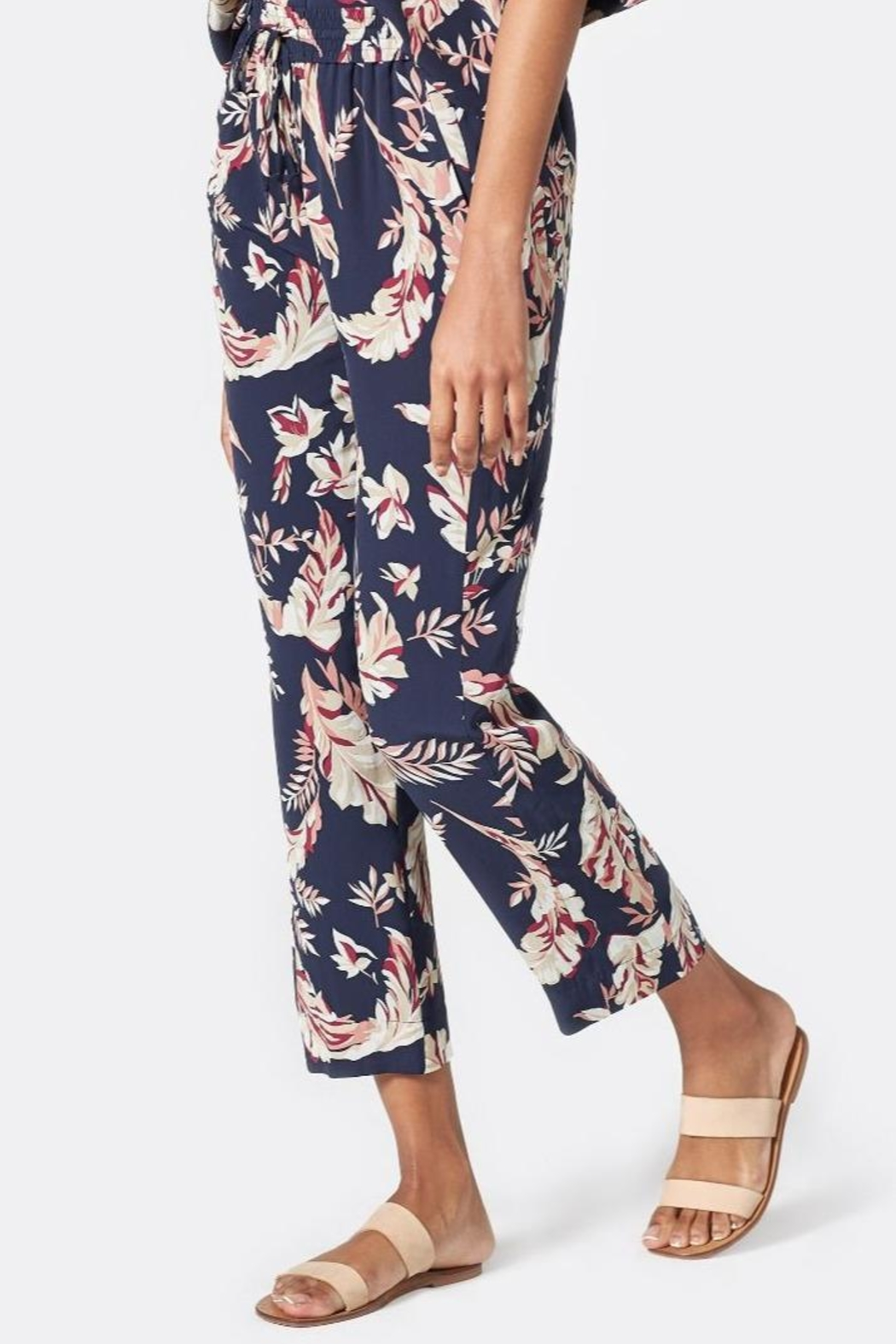 Joie Quisy Pant - Side Cropped Image