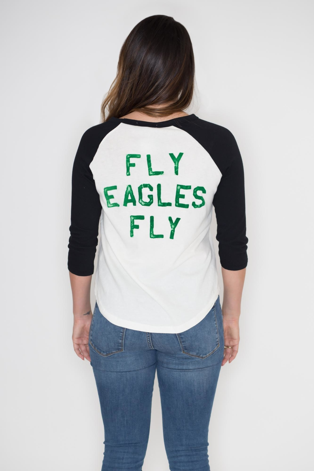 Junk Food Clothing Philadelphia Eagles Raglan Tee - Side Cropped Image