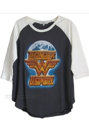 Junk Food Clothing Wonder-Woman Globe Raglan - Front full body