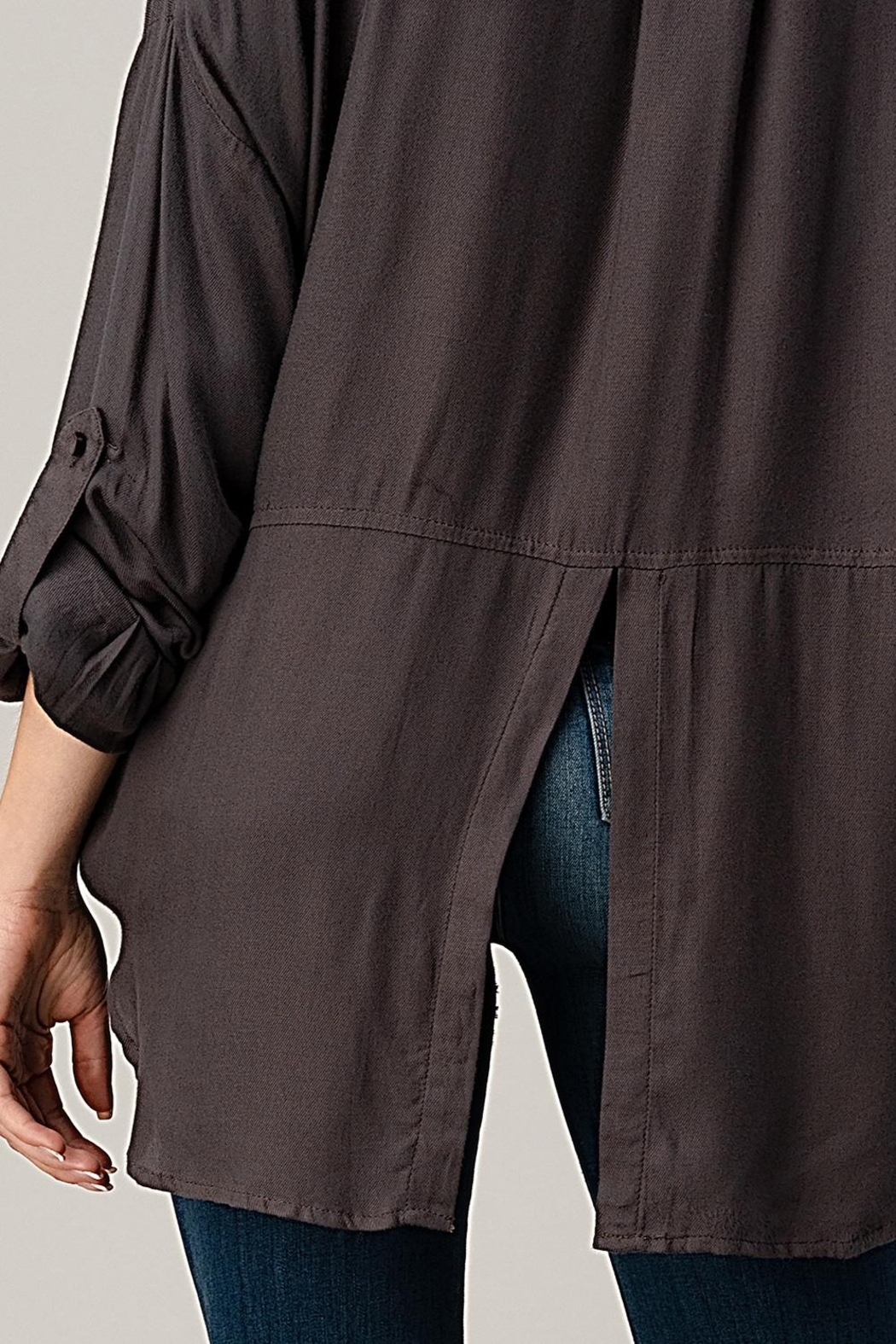Kaii High-Low Hem And Rolled Up Sleeves Shirts Top - Side Cropped Image