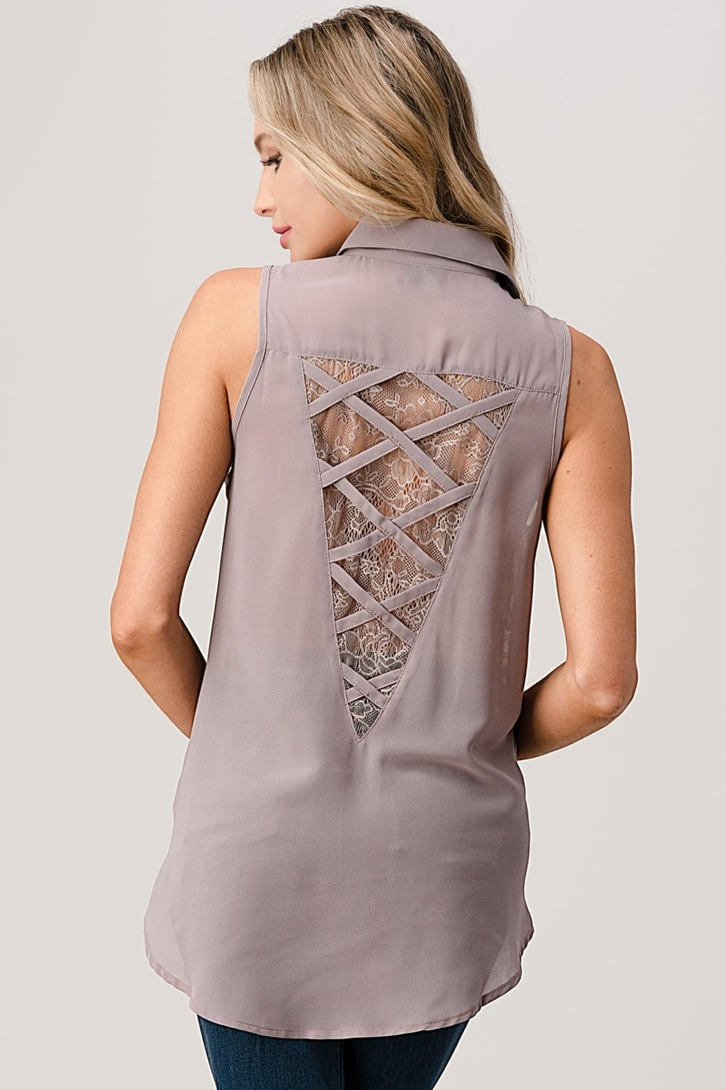 Kaii Sleeveless High Low Hemmed With Lace Shirt - Back Cropped Image