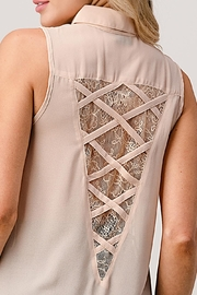 Kaii Sleeveless High Low Hemmed With Lace Shirt - Side cropped