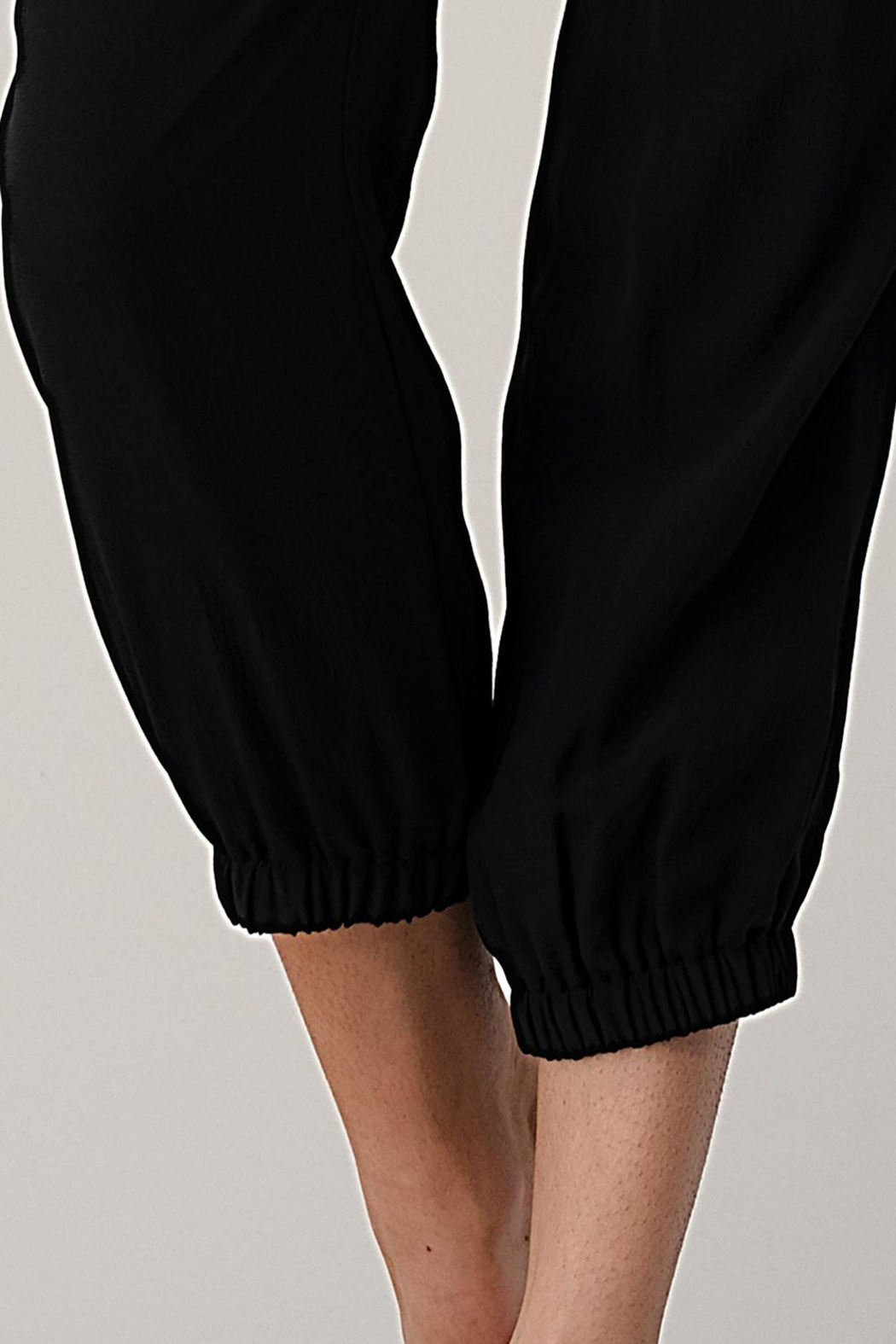 Kaii Sleeveless Loose Fit Jogger Styles Jumpsuit - Side Cropped Image
