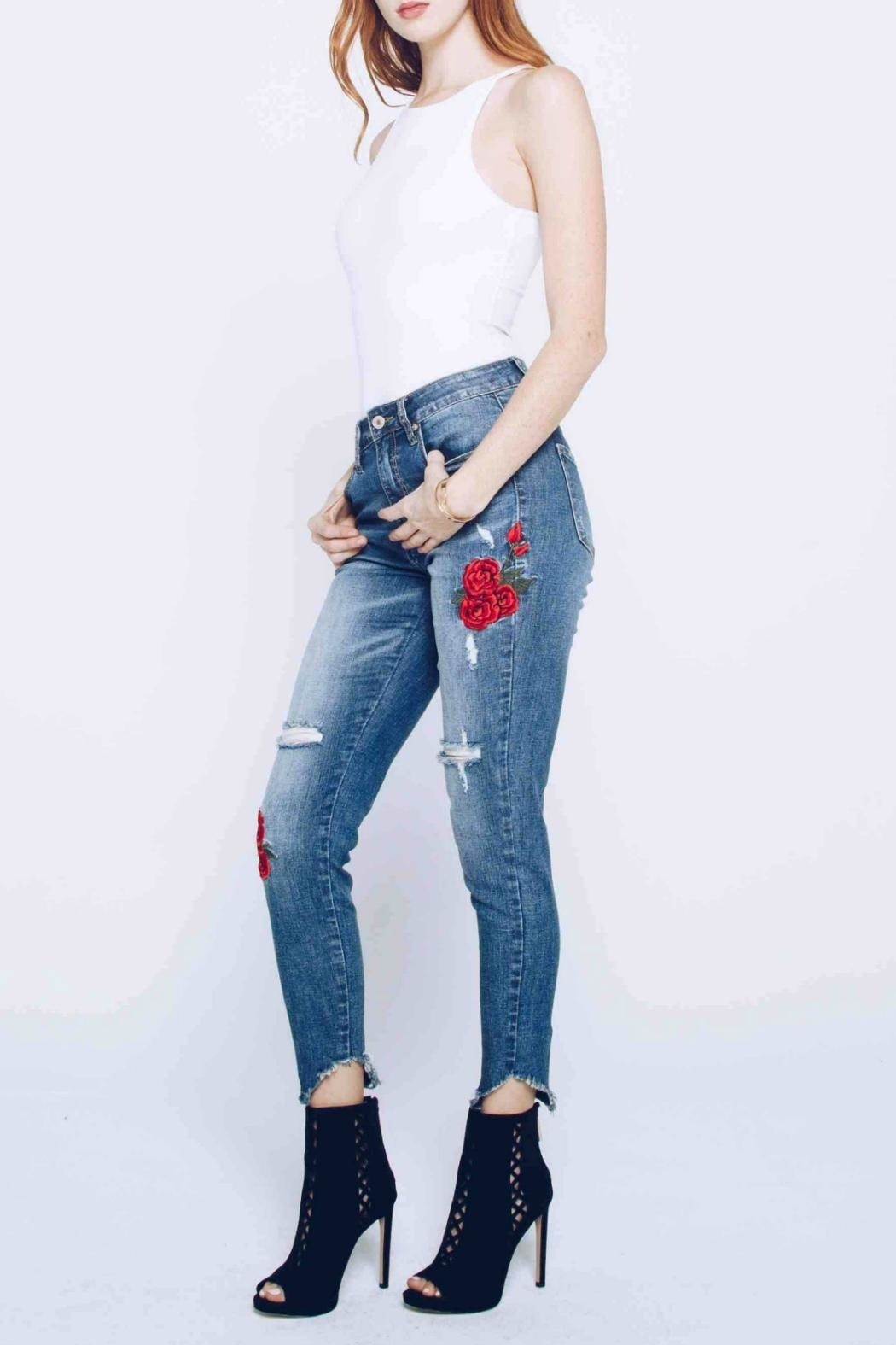 Kan Can Embroidered Distressed Skinny - Side Cropped Image