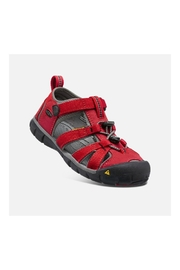 Keen Seacamp II CNX Youth in Racing Red/Gargoyle - Front cropped
