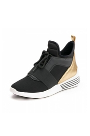 Kendall + Kylie The Braydin Sneaker - Front cropped