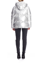 Kendall + Kylie Silver Puffer Jacket - Side cropped