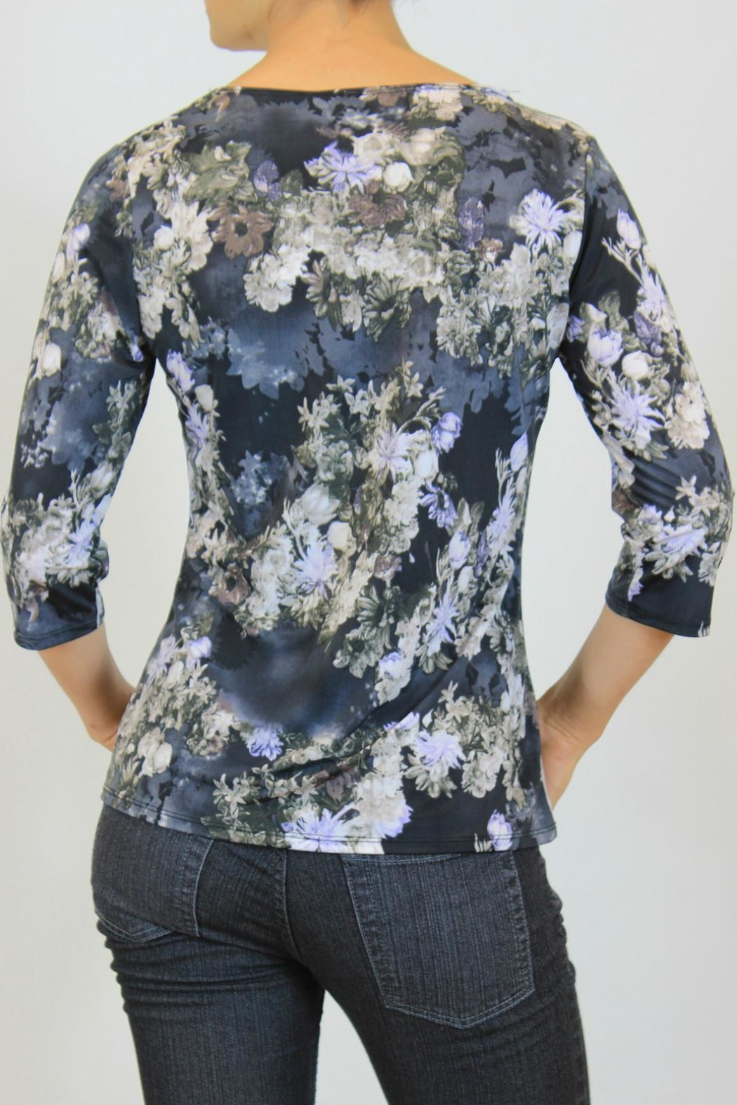 Keren Hart Blue Floral  Top - Side Cropped Image