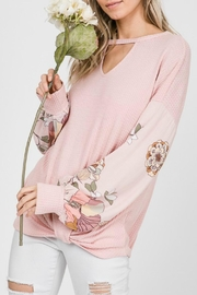 7th Ray Keyhole Floral - Side cropped