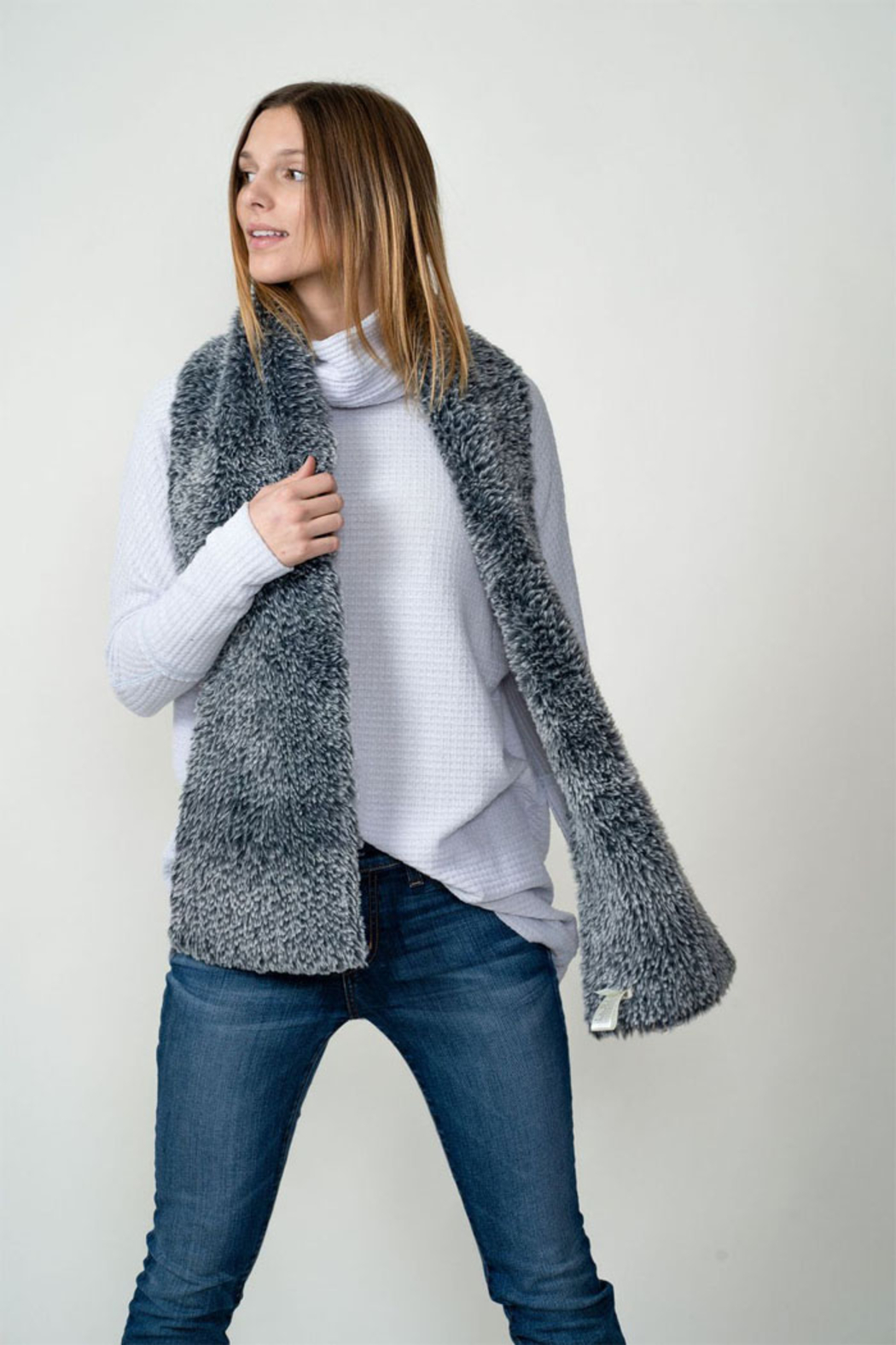 Dylan knitted Fur Scarf - Side Cropped Image