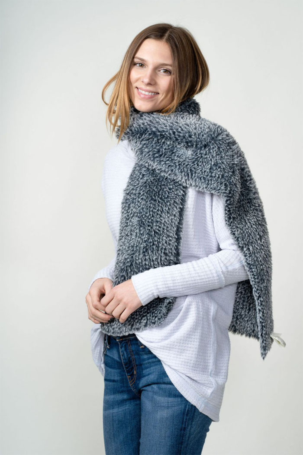 Dylan knitted Fur Scarf - Back Cropped Image