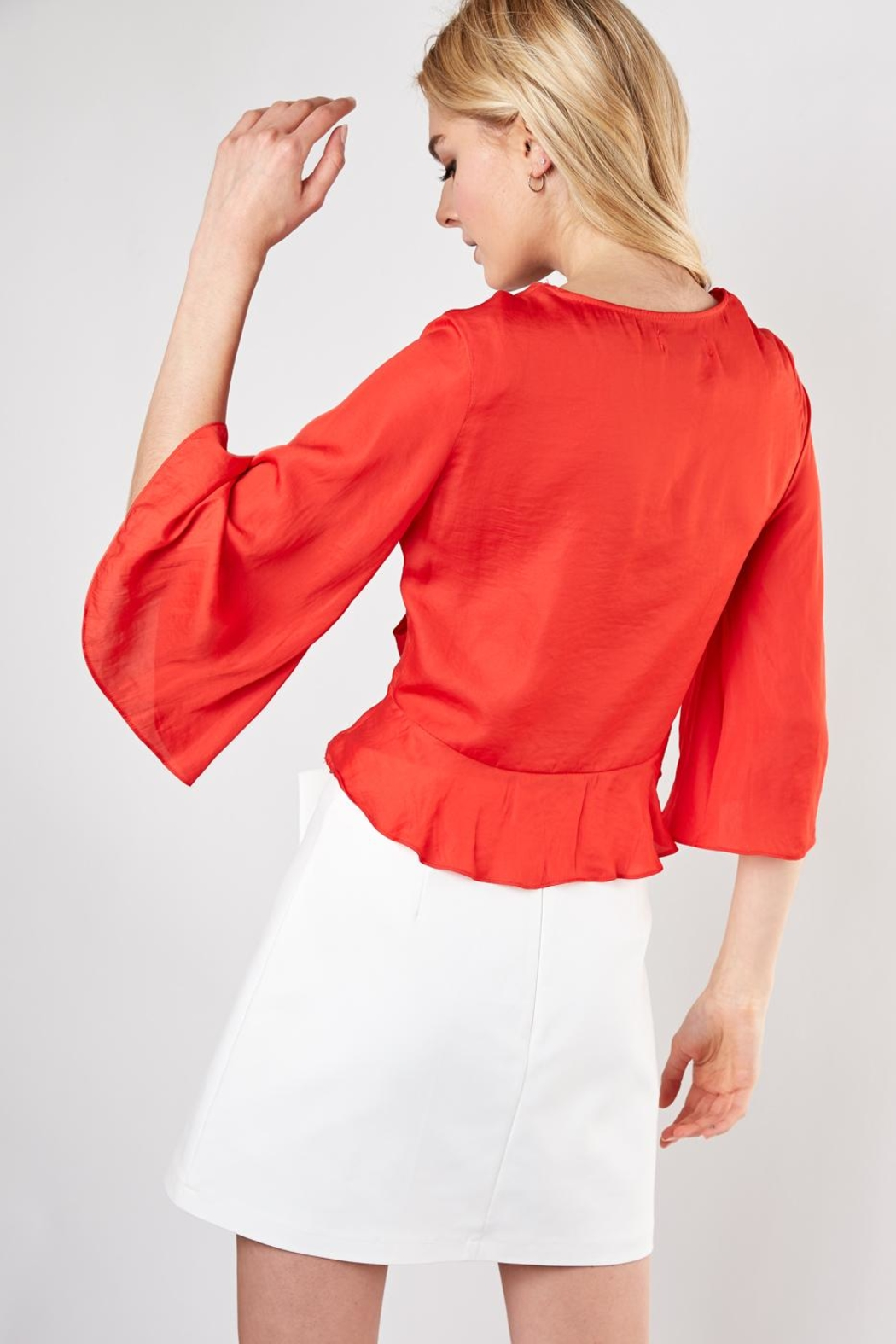 Do & Be Knot Front Blouse - Side Cropped Image