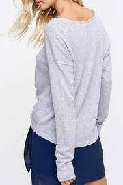 Listicle Knot Hem Top - Side cropped