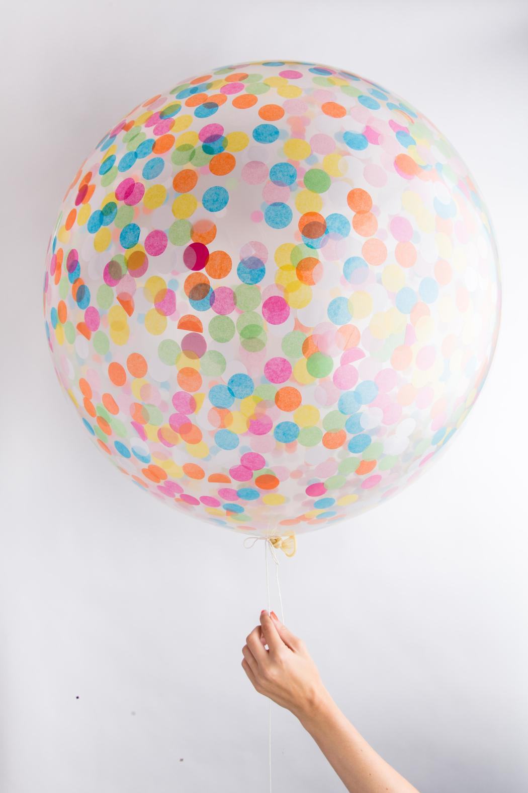 KNOT AND BOW Jumbo Confetti Balloons - Main Image