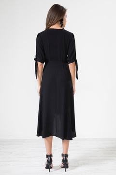 Urban Touch Knotsleeve Crossover Mididress - Alternate List Image