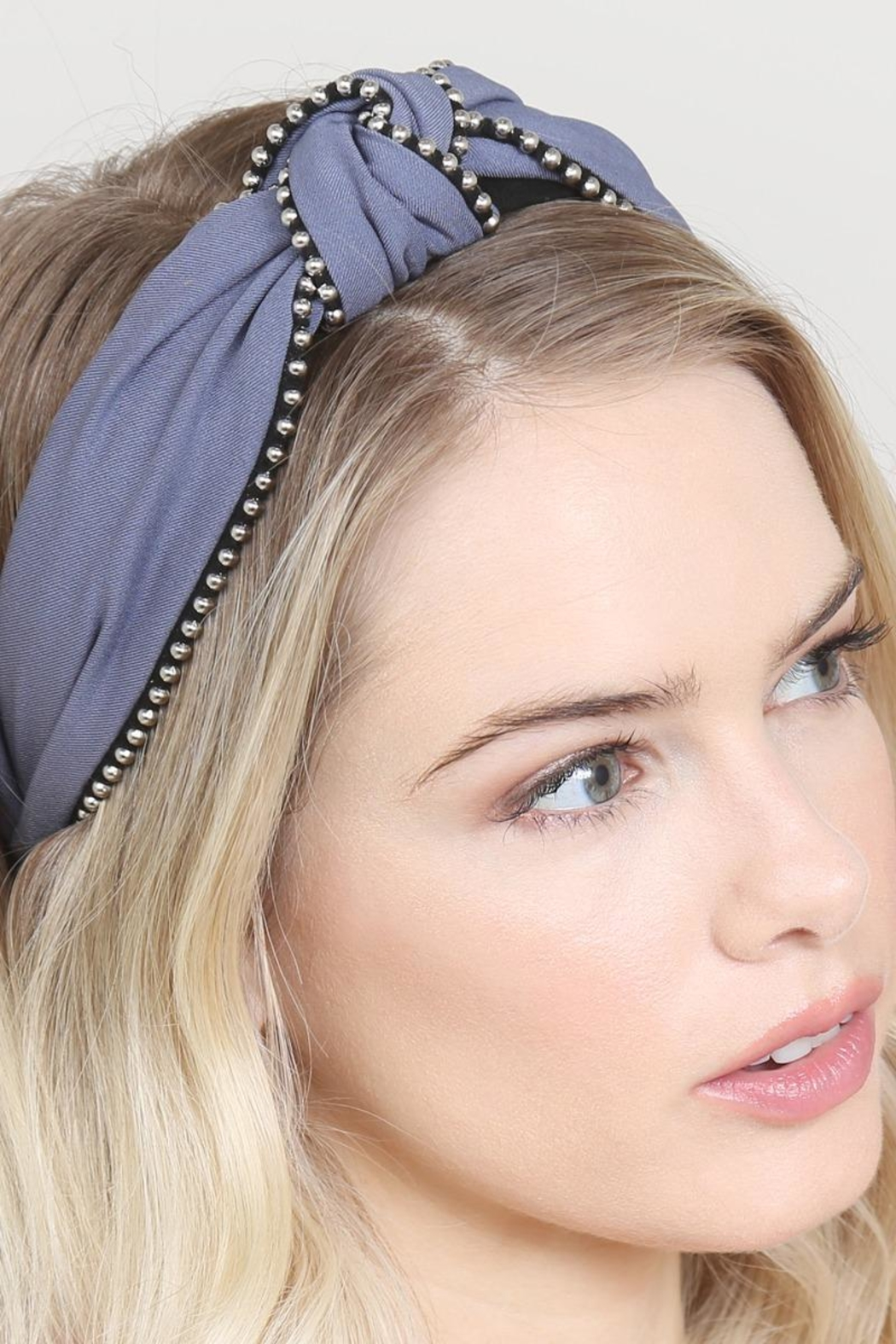Riah Fashion Knotted Headbands - Side Cropped Image