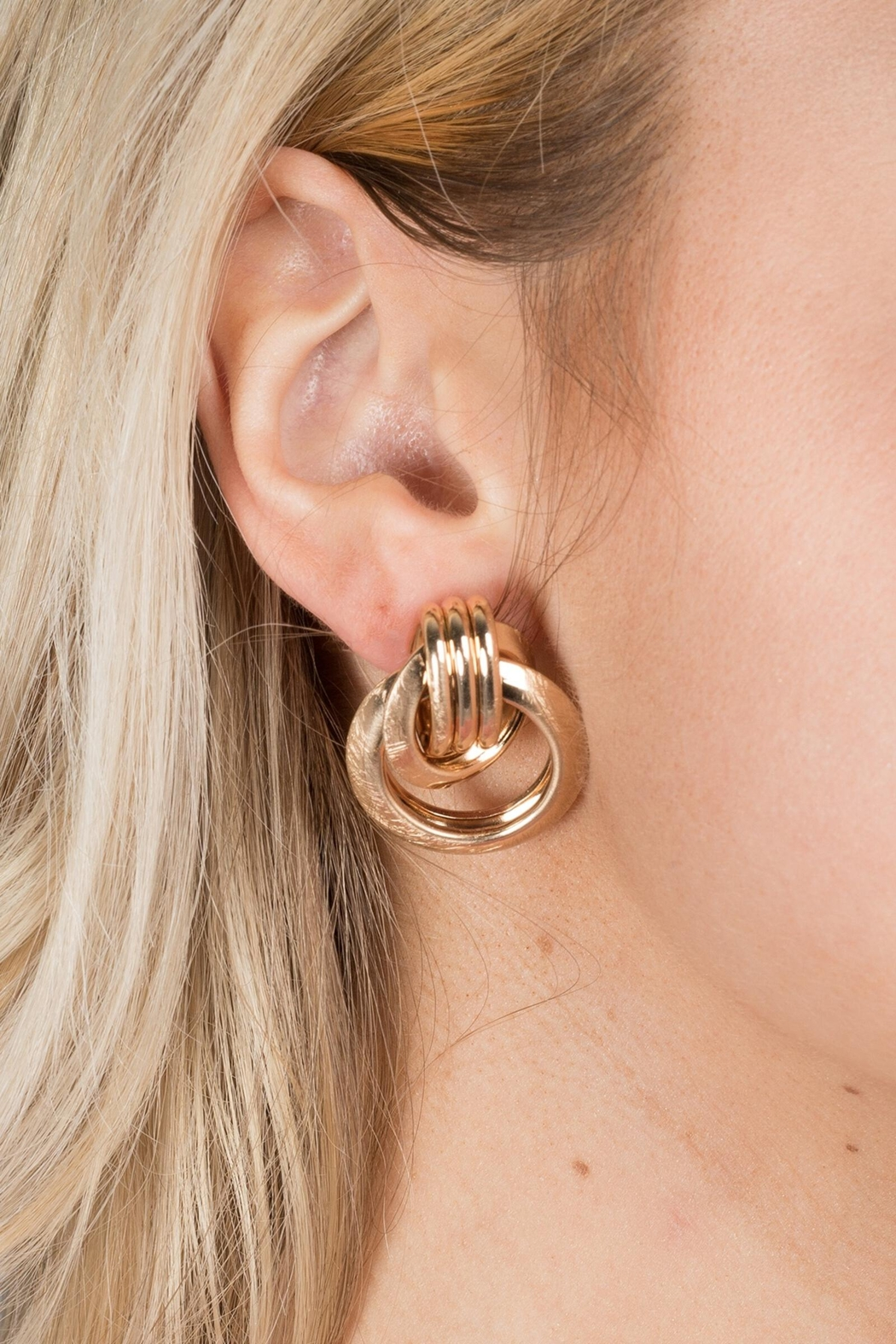 Saachi Knotted Stud Earring - Front Cropped Image