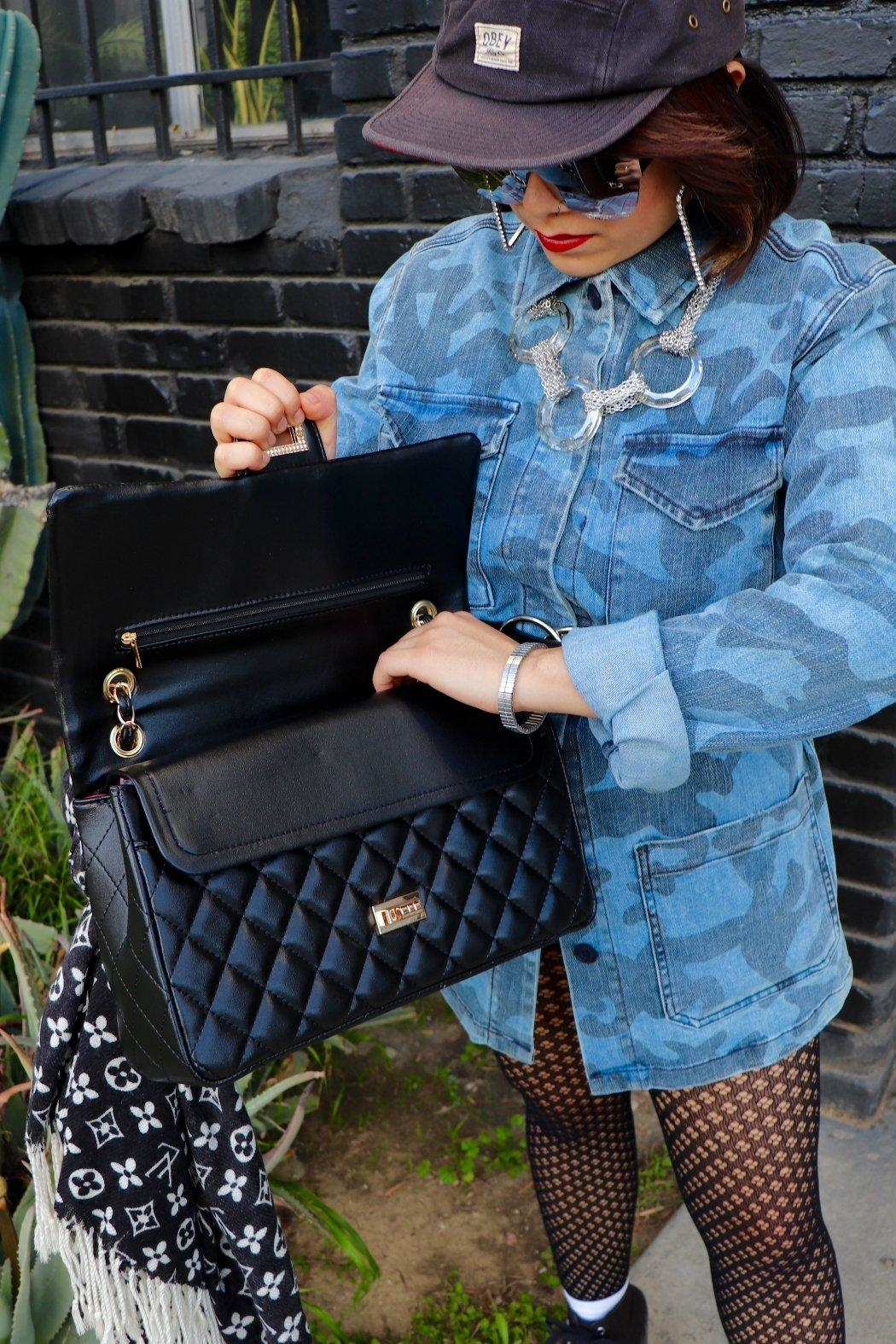 Minx Koko Quilted Purse - Side Cropped Image