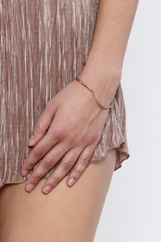 KTCollection Open Wave Bangle - Back cropped