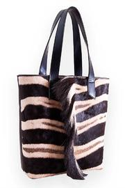 Kulu Zebra Shopper - Front cropped
