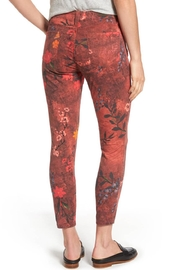 Kut from the Kloth Connie Print Skinny Jeans - Side cropped
