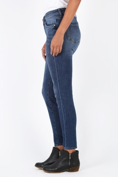 Kut from the Kloth Diana High-Rise Skinnies - Alternate List Image