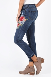 Kut from the Kloth Reese Embroidered Premier - Front full body