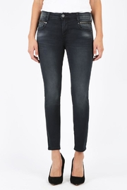 Kut from the Kloth Reese Slim Fit - Front cropped