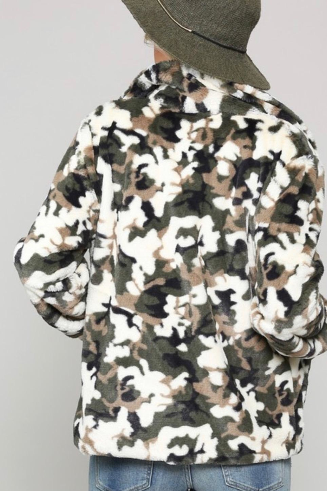 Kye Mi Camo Fur Coat - Back Cropped Image