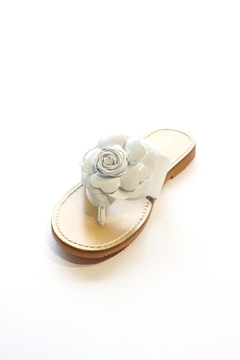 L'Amour Flower Thong Sandal - Alternate List Image