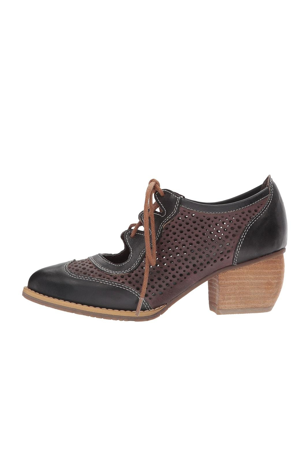 L'Artiste Gabriel Heeled Oxford Shoes - Front Cropped Image