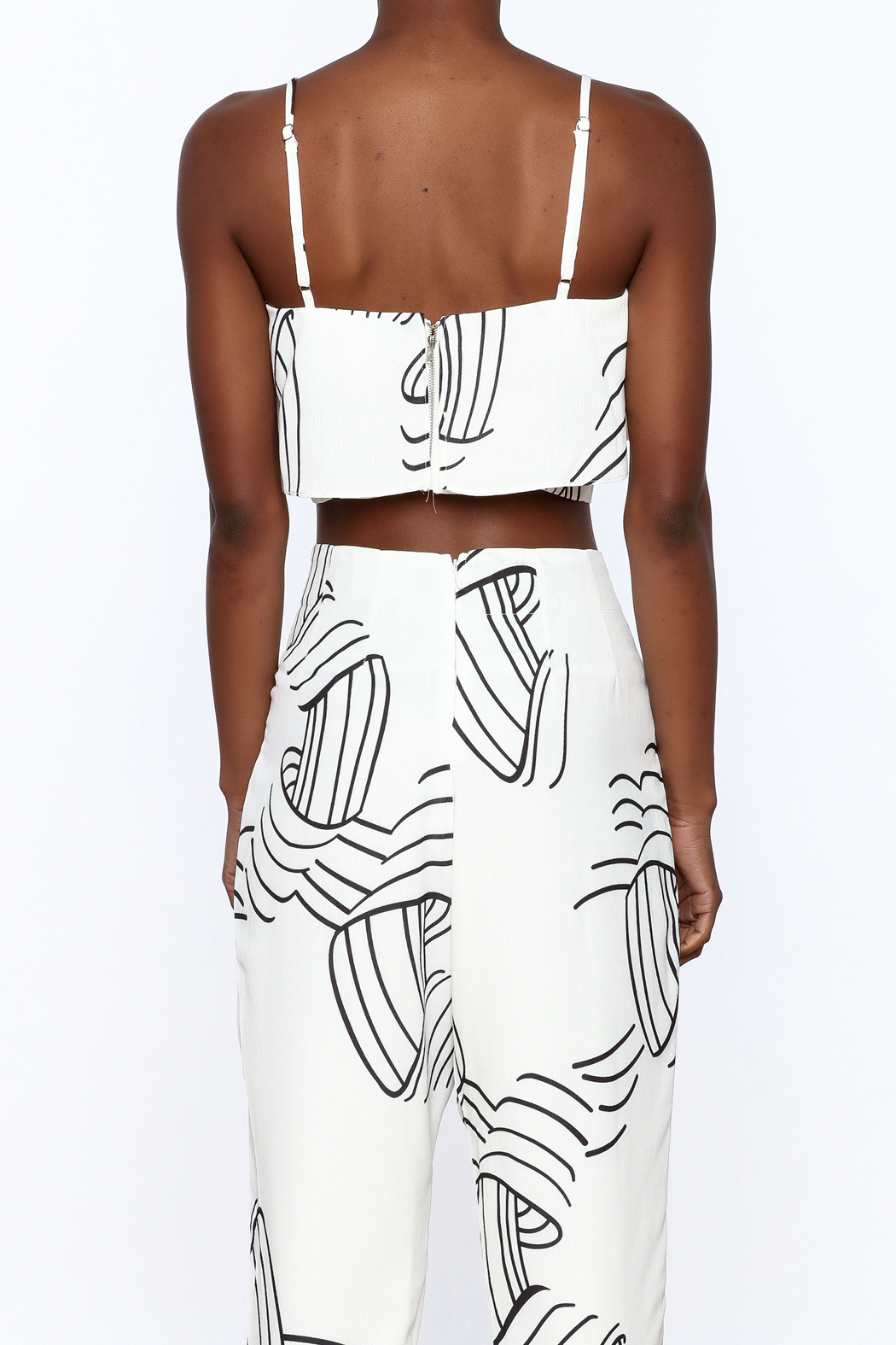 L'atiste White Abstract Sleeveless Top - Back Cropped Image