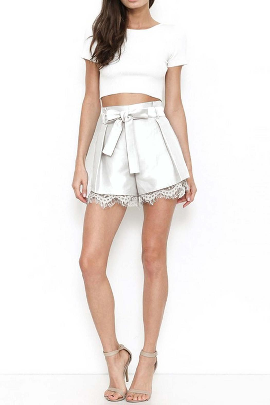 L'atiste Darling Shorts - Front Cropped Image