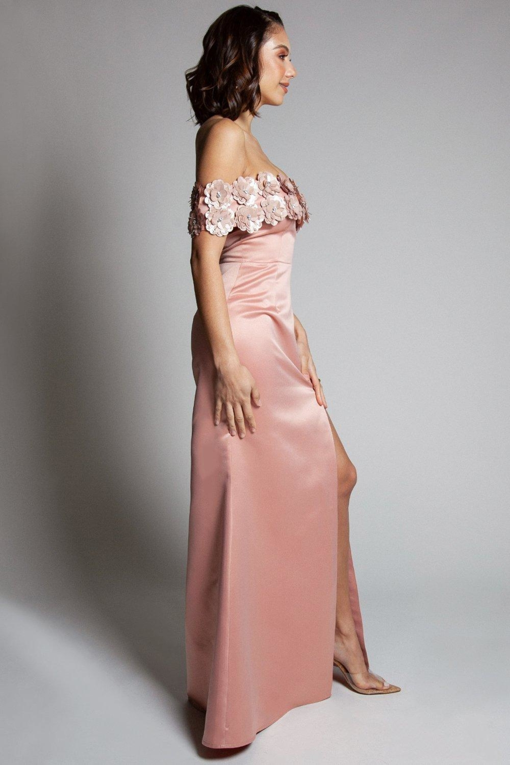 L'atiste Evening Maxi Dress - Side Cropped Image