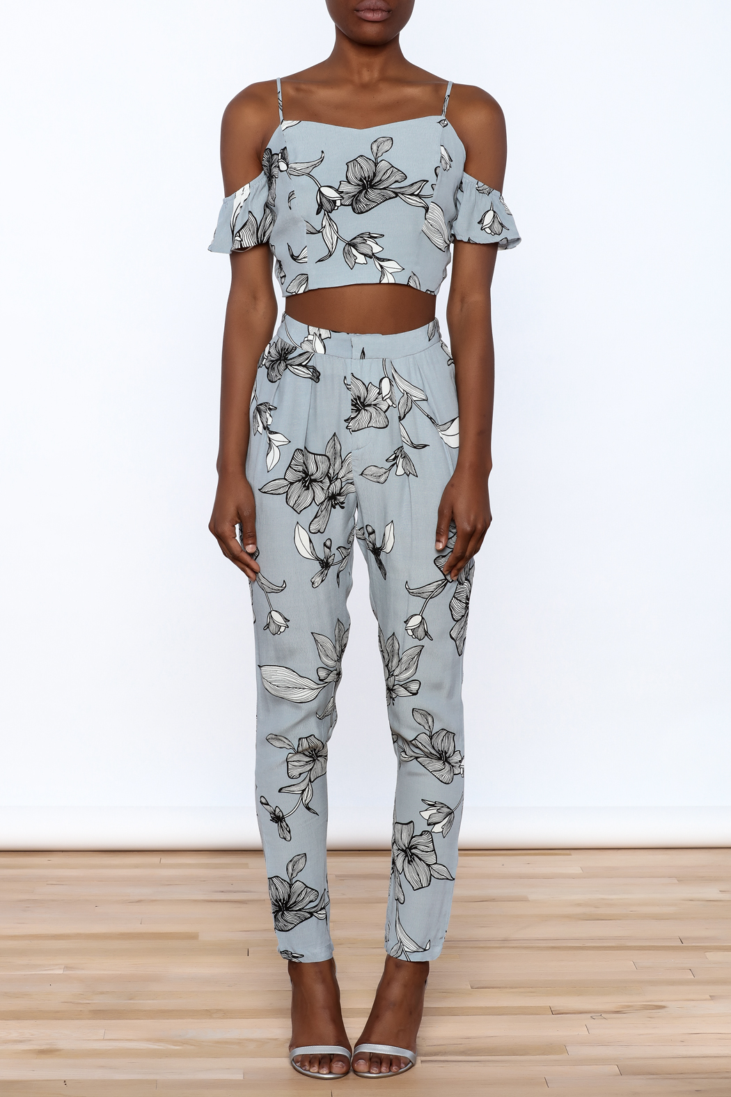 L'atiste Blue Floral Matching Set - Front Cropped Image