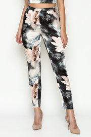 L'atiste Floral Print Pants - Product Mini Image