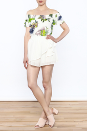 L'atiste White Wrap Short - Side cropped