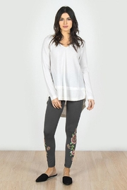 Mur L/s Rawedge Top - Front cropped