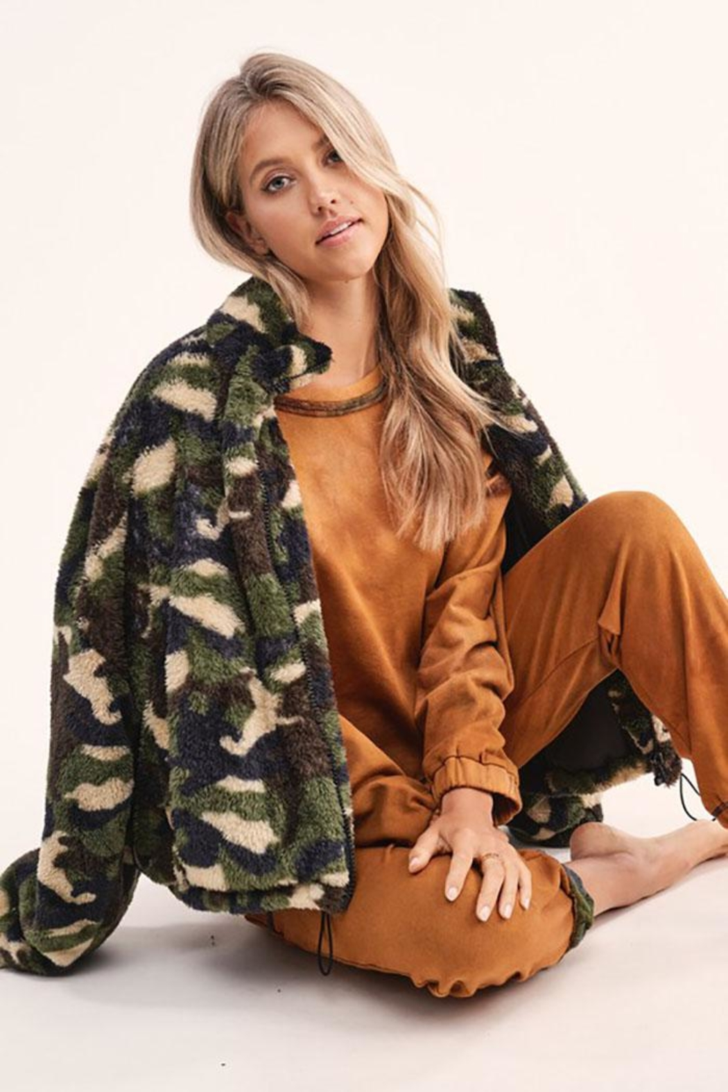 LA MIEL  Camouflage Sherpa Teddy Bear Cozy Jacket - Side Cropped Image