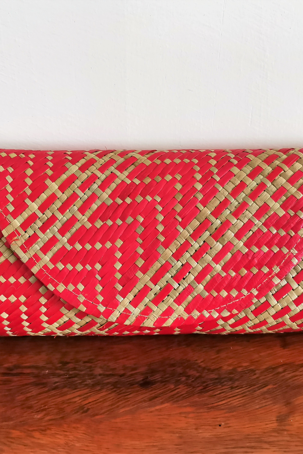 Banago Labra Mayumi Clutch - Front Cropped Image