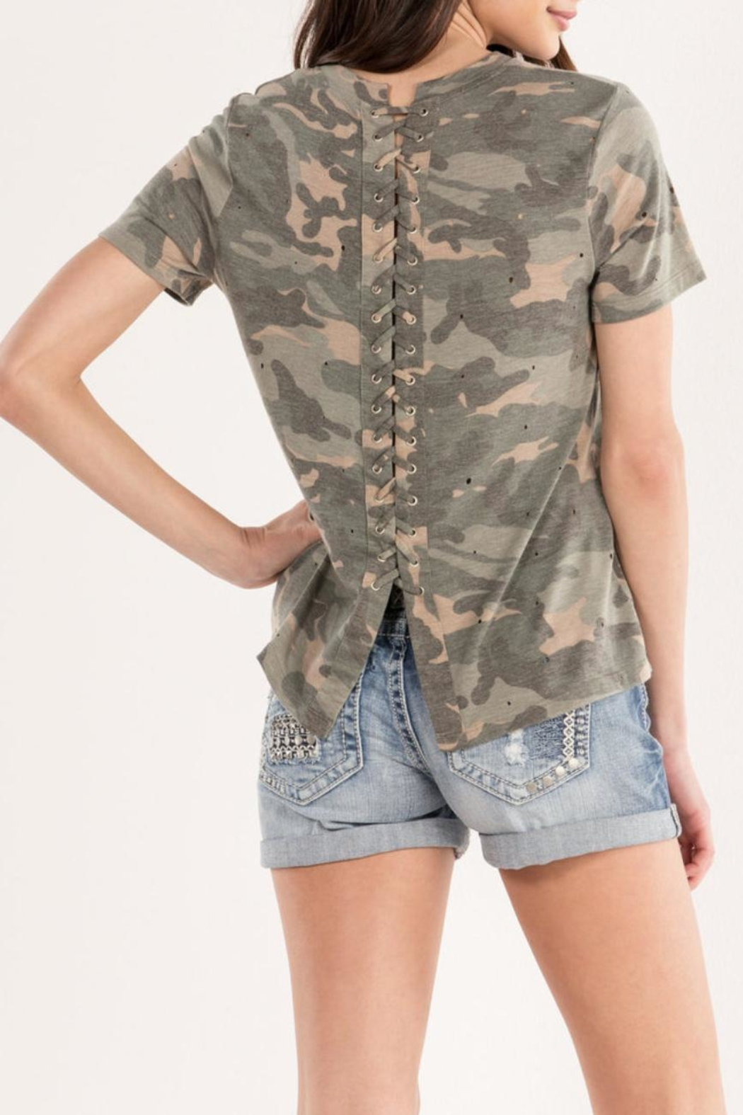 Miss Me Lace-Back Camo Tee - Side Cropped Image