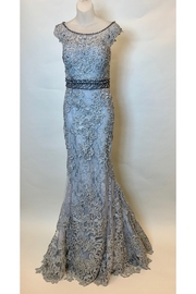 Mac Duggal LACE CAP SLEEVE GOWN - Front cropped